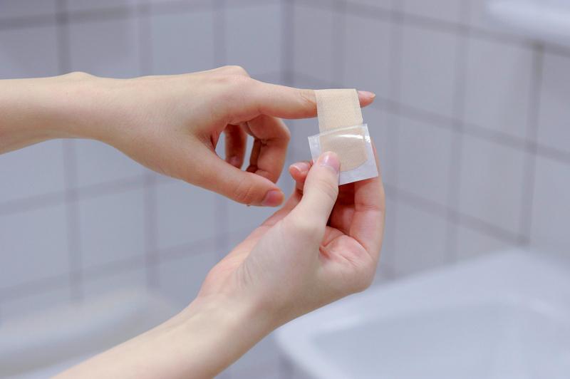 Plaster dispenser - 6