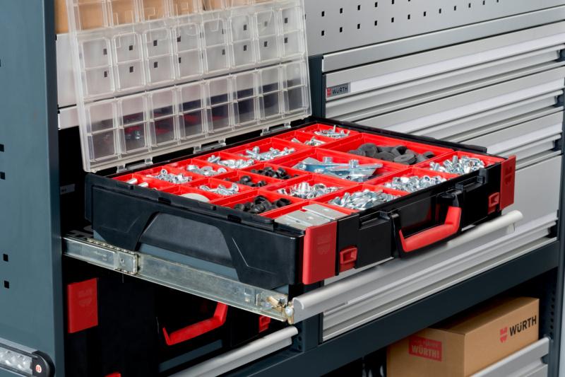 <b>SYSTEM-KOFFER </b><br> Die Koffermodule lassen sich komplett ausziehen