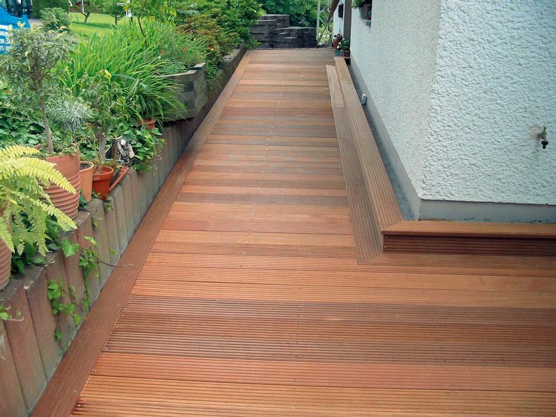 Terrasse Einfamilienhaus Holz